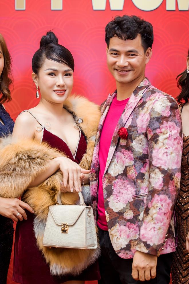 MC Thùy Dương gợi cảm đọ sắc cùng ca sĩ Maya - Ảnh 9.