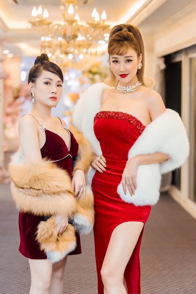 MC Thùy Dương gợi cảm đọ sắc cùng ca sĩ Maya - Ảnh 5.