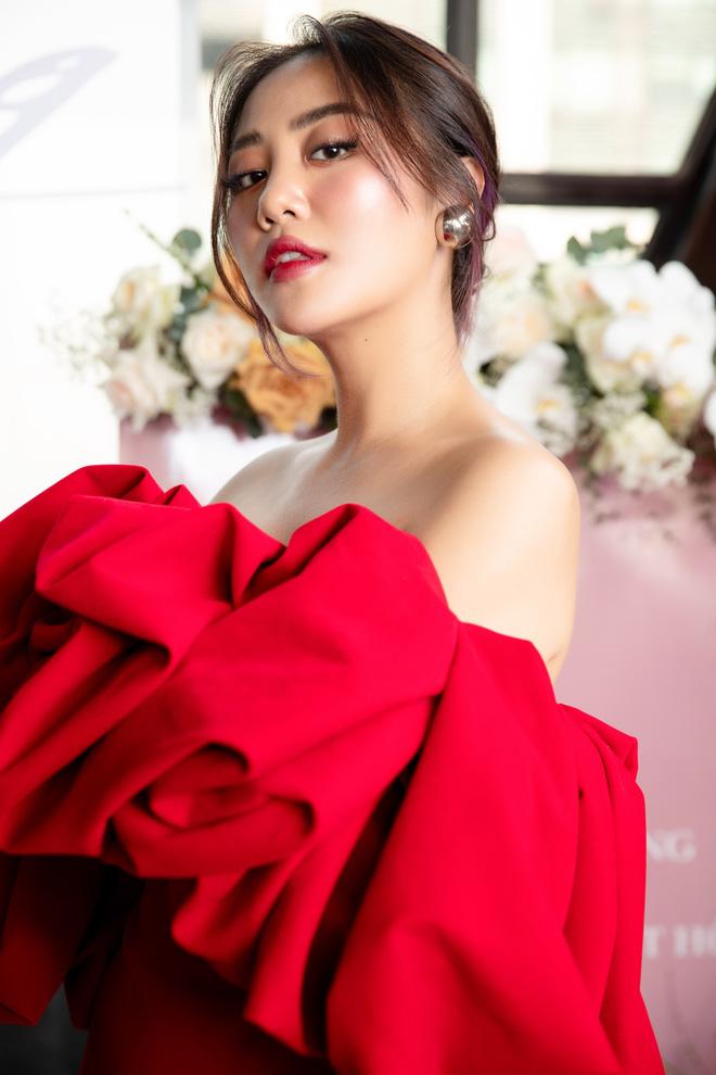 Văn Mai Hương từ chối hát nhép ở sự kiện dù gặp vấn đề sức khỏe - Ảnh 5.