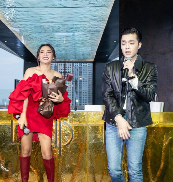 Văn Mai Hương từ chối hát nhép ở sự kiện dù gặp vấn đề sức khỏe - Ảnh 7.