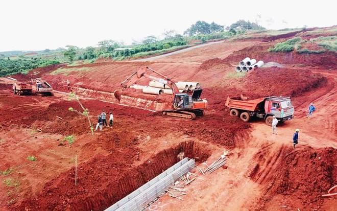 Công an vào cuộc điều tra vụ phân lô bán đất nông nghiệp ở Bảo Lộc - Ảnh 4.