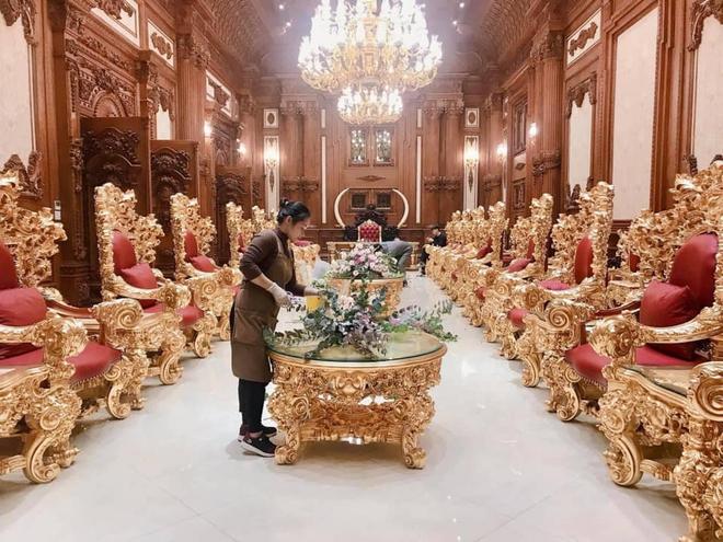 Xôn xao đám cưới khủng trong lâu đài dát vàng 10.000m2 ở Ninh Bình: Thực đơn khiến tất cả choáng - Ảnh 4.