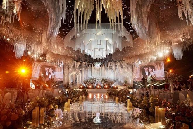 Xôn xao đám cưới khủng trong lâu đài dát vàng 10.000m2 ở Ninh Bình: Thực đơn khiến tất cả choáng - Ảnh 2.