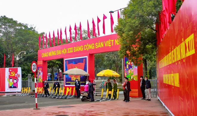 Thắt chặt an ninh để đảm bảo an toàn cho Đại hội XIII của Đảng - Ảnh 2.