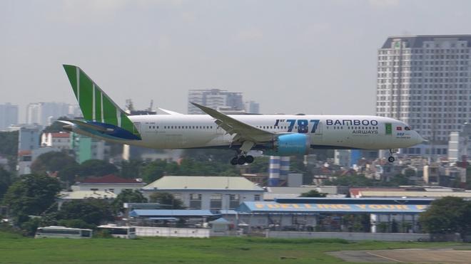 Bán vé bay Tết vượt quá số lượng, nhiều hãng bị Cục Hàng không tuýt còi - Ảnh 2.
