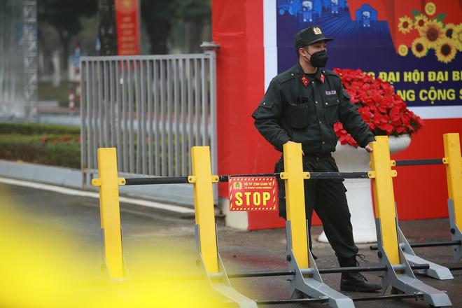 Thắt chặt an ninh để đảm bảo an toàn cho Đại hội XIII của Đảng - Ảnh 4.