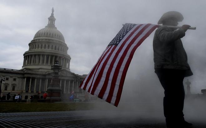 """Nghị sĩ Mỹ bị dọa giết vì tham gia luận tội ông Trump: Điện Capitol sẽ """"nóng"""" trở lại trong 2 tuần tới?"""