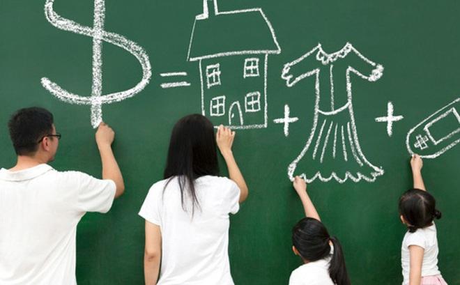 Gia đình muốn hạnh phúc và giàu có, tốt nhất cứ đưa tiền cho vợ giữ: Sống đừng nên quá rạch ròi, hỗ trợ lẫn nhau mới là thượng sách