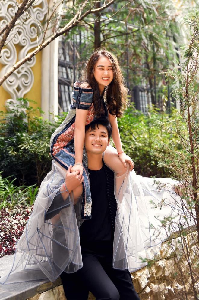 Con gái Thanh Lam liên tục lau nước mắt khi được dàn diva, divo hát tặng trong đám cưới - Ảnh 6.