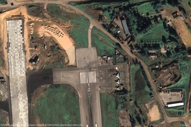 Chiến trường Syria diễn biến nóng, Nga cấp tốc hành động: Pháo đài bay tham chiến? - Ảnh 1.