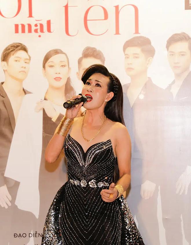 Dàn sao Việt ủng hộ nghệ sĩ Hà Kiều Anh ra mắt phim - Ảnh 1.