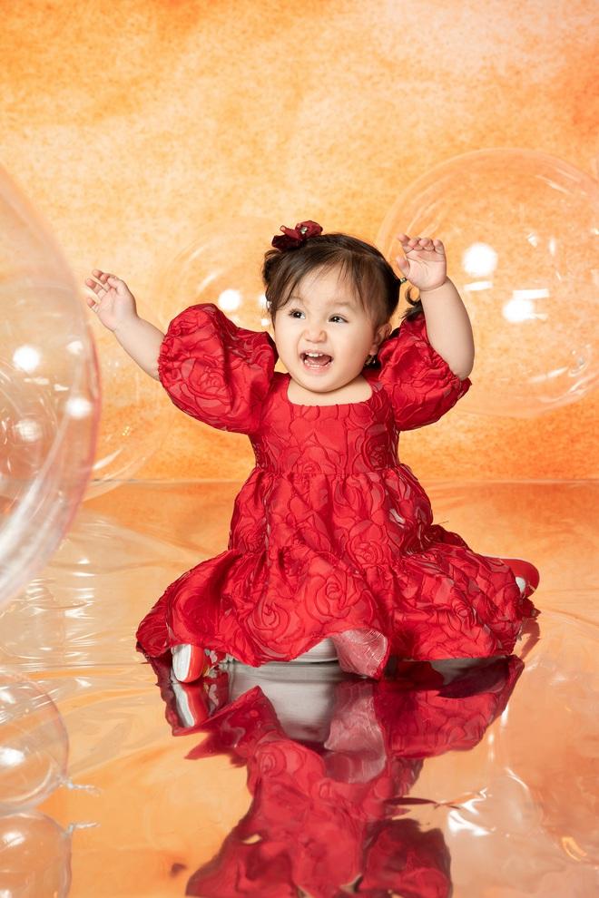 Ca sĩ Ngọc Anh khoe nhan sắc U40 bên con gái nhỏ - Ảnh 6.