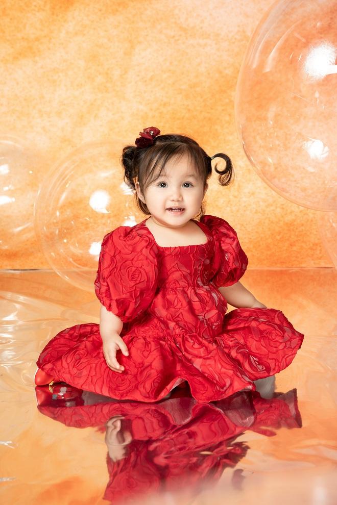 Ca sĩ Ngọc Anh khoe nhan sắc U40 bên con gái nhỏ - Ảnh 5.