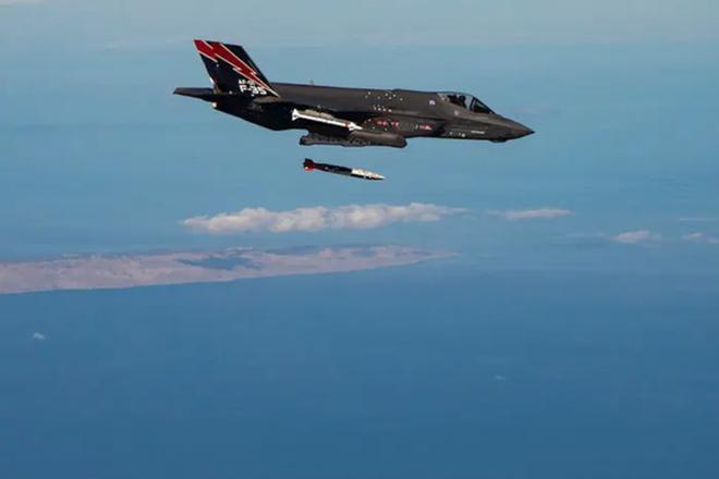 Su-57 dễ dàng xơi tái F-35 Mỹ: Anh hùng phi công Nga đã lên tiếng! - Ảnh 2.