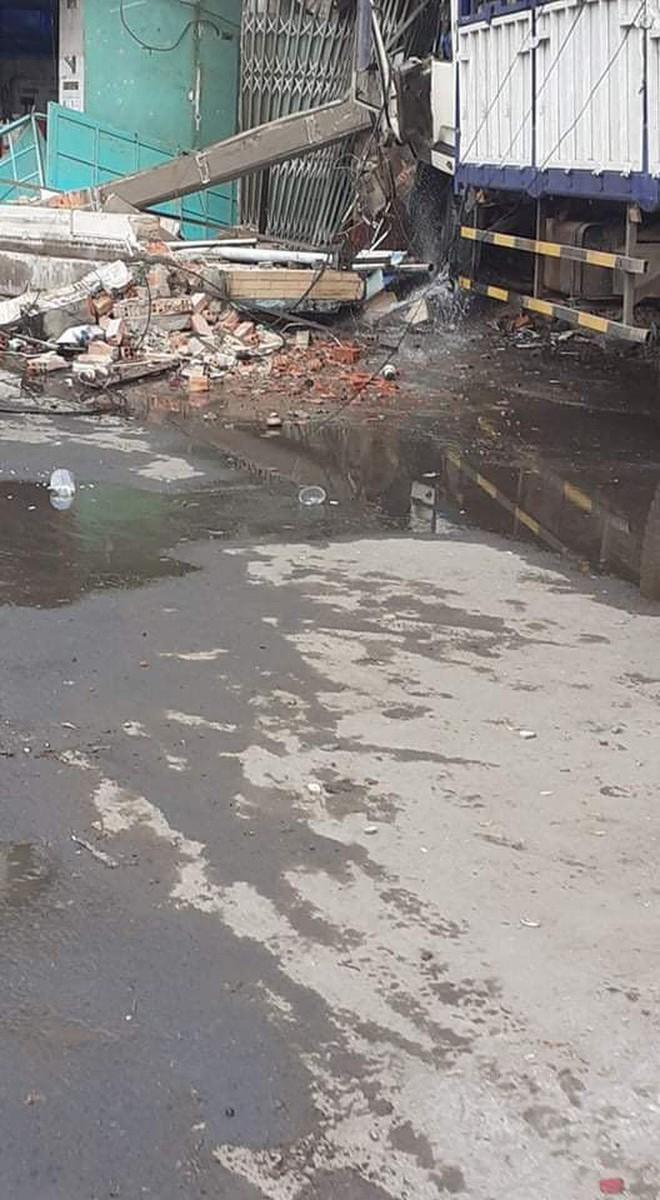 CLIP: Tai nạn kinh hoàng ở Biên Hòa, người và xe nằm la liệt - Ảnh 4.