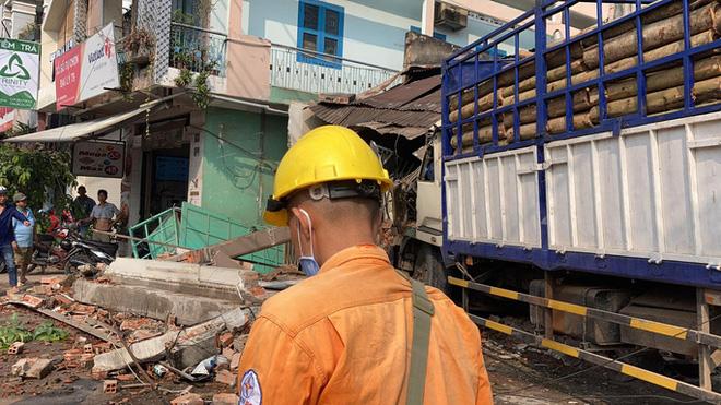 CLIP: Tai nạn kinh hoàng ở Biên Hòa, người và xe nằm la liệt - Ảnh 11.
