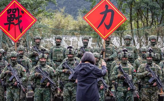 """Đài Loan khoe thành tích quân sự, Hoàn Cầu liền cạnh khóe: Chỉ giỏi """"cướp công"""""""
