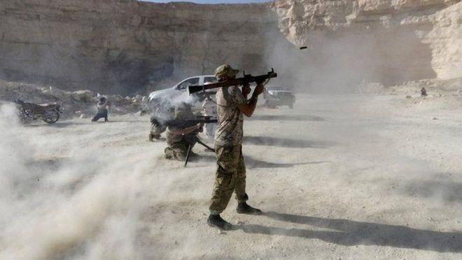 3 cánh quân bí ẩn đánh úp Thổ ở Idlib, Nga có cớ siết thòng lọng? - Ảnh 2.