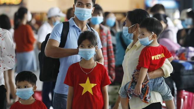 Việt Nam trở thành điểm sáng trong bức tranh u ám toàn cầu - Ảnh 1.