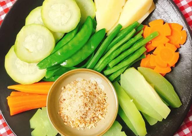 Chuyên gia tiết lộ 5 chữ vàng dạy bạn cách ăn khôn: Ăn ít no lâu, ăn no không lo béo - Ảnh 1.