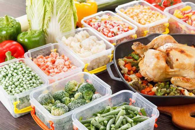 Chuyên gia dinh dưỡng cảnh báo: Chế độ ăn uống không hợp lý gây ra các bệnh mãn tính - Ảnh 2.
