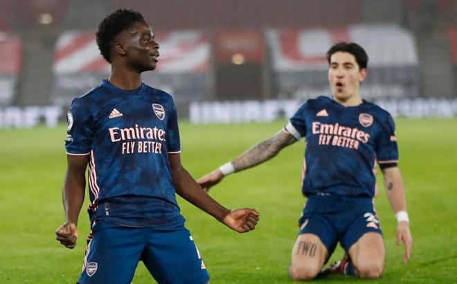 Ngược dòng hạ Southampton, Arsenal vượt qua Chelsea trên BXH Ngoại hạng Anh
