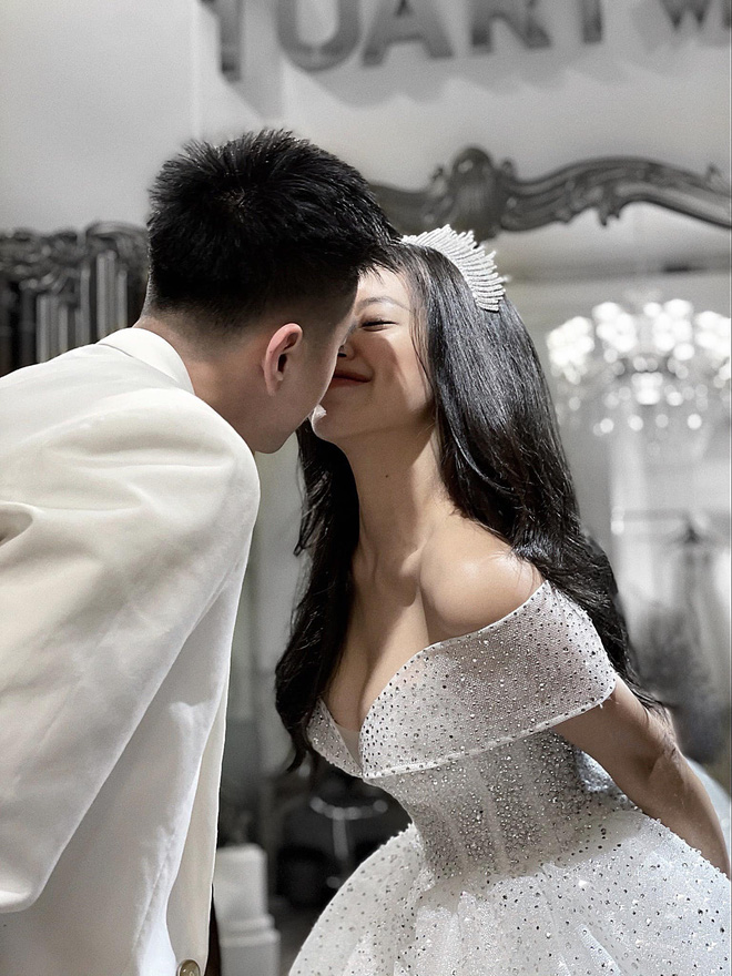 DJ Tít hạnh phúc bên bạn trai mới sau đổ vỡ hôn nhân - Ảnh 10.