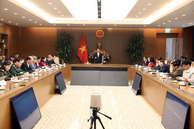 Phó Thủ tướng Vũ Đức Đam: Ổ dịch ở Hải Dương, Quảng Ninh phức tạp, nghiêm trọng hơn trước - Ảnh 1.