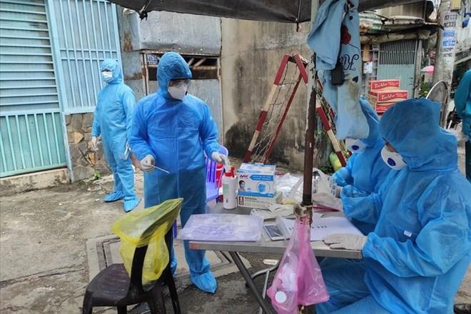 7 người đang có mặt tại TP.HCM tiếp xúc với bệnh nhân mắc Covid-19 ở Quảng Ninh - Ảnh 1.