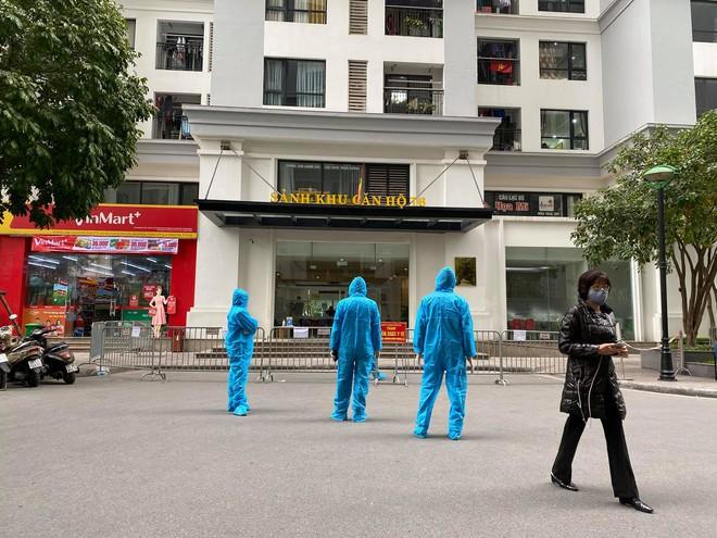 Hà Nội: 7 trường hợp F1 của ca dương tính SARS-CoV-2 ở Nguyễn Khánh Toàn có kết quả âm tính lần 1 - Ảnh 1.