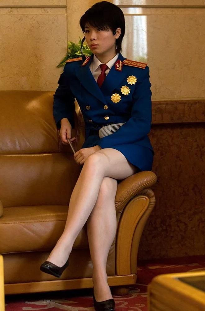 Vẻ đẹp mang 'chất thép' của các nữ quân nhân trên khắp thế giới - Ảnh 12.