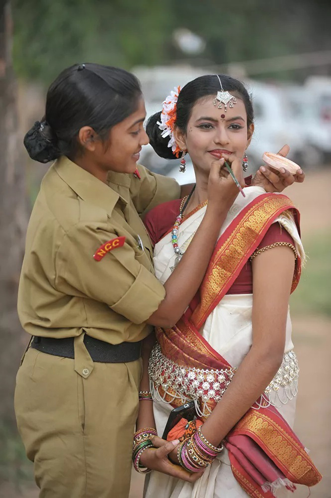 Vẻ đẹp mang 'chất thép' của các nữ quân nhân trên khắp thế giới - Ảnh 3.