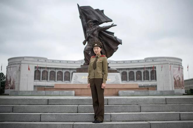 Vẻ đẹp mang 'chất thép' của các nữ quân nhân trên khắp thế giới - Ảnh 10.