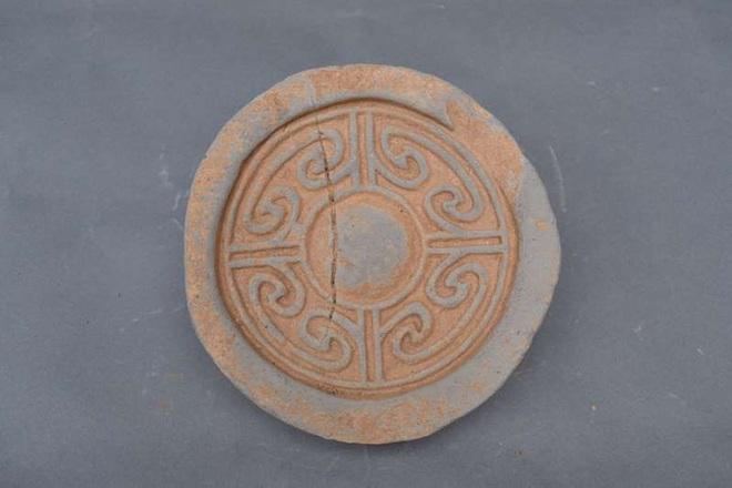 Nhặt chậu đất, tìm ra kho báu: Cung điện mộ cổ 1.800 tuổi của hoàng đế  - Ảnh 1.