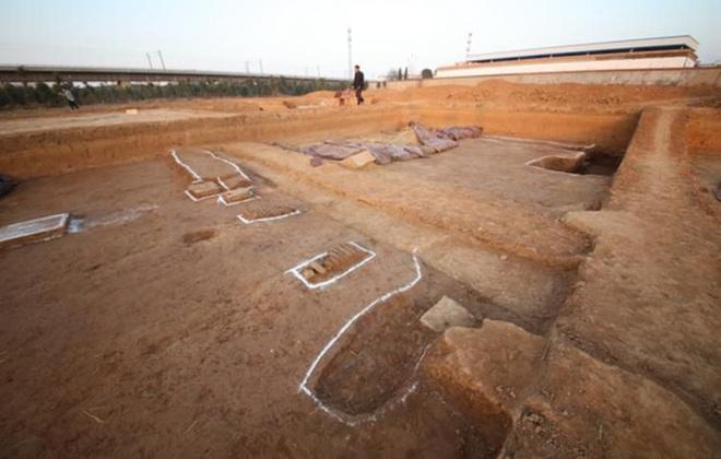 Nhặt chậu đất, tìm ra kho báu: Cung điện mộ cổ 1.800 tuổi của hoàng đế  - Ảnh 3.