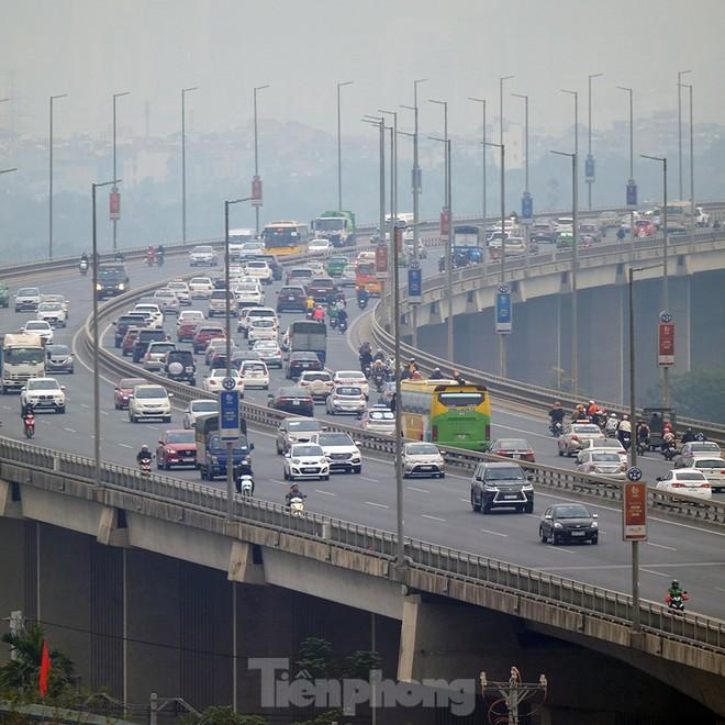 Cầu Nhật Tân thất thủ trong ngày cuối nghỉ Tết Dương lịch - Ảnh 7.