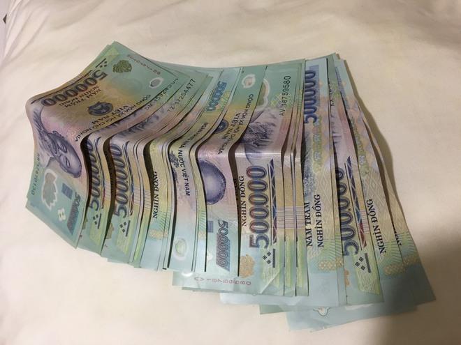 Cô gái bị hôi của số tiền 30 triệu đồng trên đường phố Sài Gòn nhận lại 15 triệu đồng - Ảnh 2.
