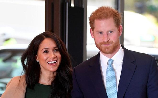 """Hoàng tử Harry quyết định trở về Hoàng gia lần đầu sau """"khủng hoảng Megxit"""", Meghan và con trai không đi cùng vì lý do ít ai ngờ tới"""