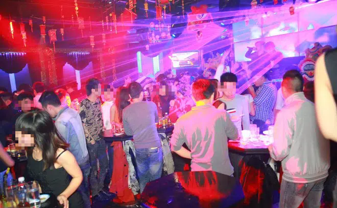 Hà Nội: Từ 0h ngày 1/2, các quán karaoke, vũ trường, bar tạm dừng hoạt động để phòng Covid-19