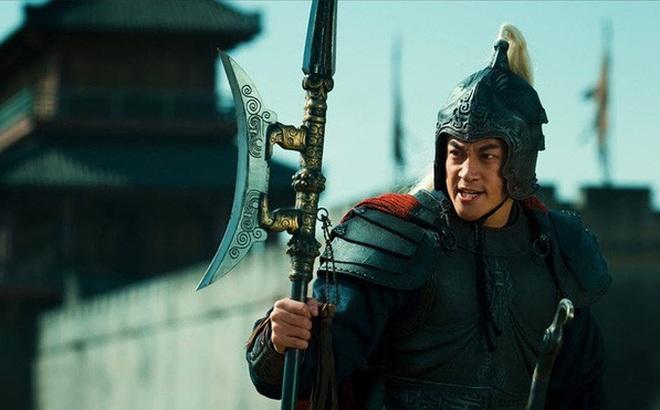 Trước khi giết Lã Bố, vì sao Tào Tháo không hỏi mưu sĩ giỏi giang bên cạnh mình mà lại hỏi ý kiến của Lưu Bị?