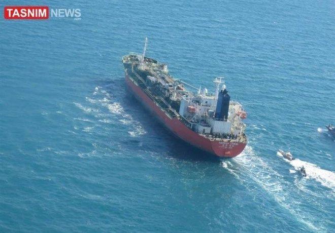Iran tập trận cực lớn, bắt tàu Hàn Quốc có người Việt Nam - Seoul điều tàu chiến ứng cứu: Chảo lửa Trung Đông rực cháy! - Ảnh 3.