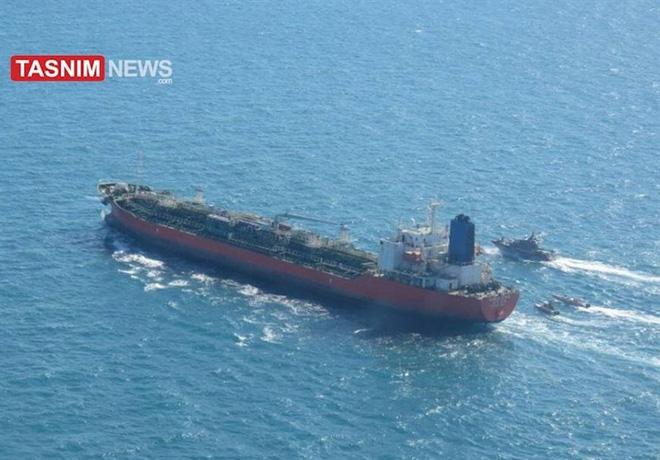 Iran tập trận cực lớn, bắt tàu Hàn Quốc có người Việt Nam - Seoul điều tàu chiến ứng cứu: Chảo lửa Trung Đông rực cháy! - Ảnh 2.
