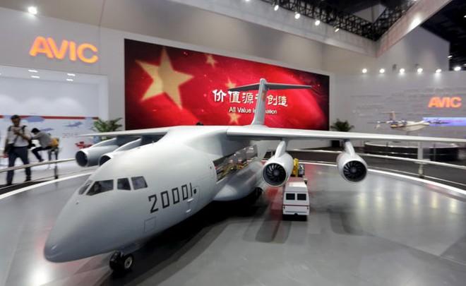 Ảnh vệ tinh tố TQ ngang nhiên đưa siêu vận tải cơ Y-20 ra đá Chữ Thập, hé lộ sức mạnh viễn chinh của PLA - Ảnh 1.