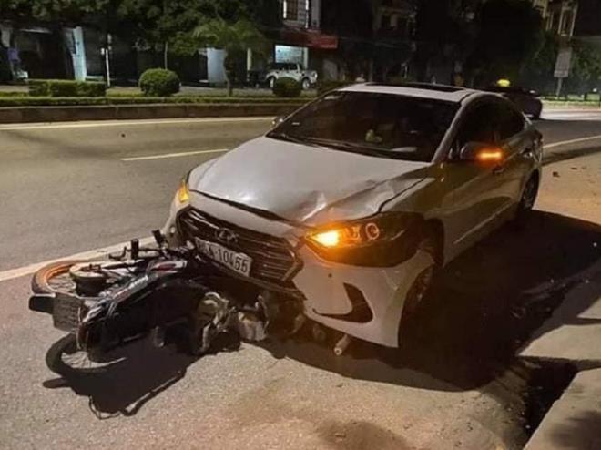Thanh tra giao thông lái xe ngược chiều tông chết người đi làm bình thường sau khi bị khởi tố - Ảnh 1.
