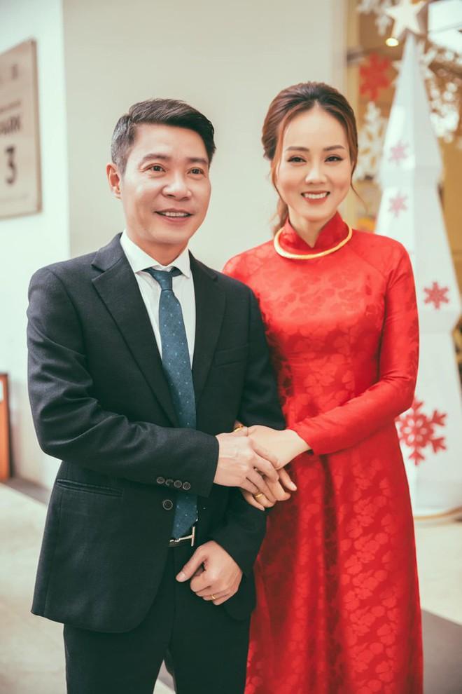 Vợ kém 15 tuổi của NSND Công Lý chia sẻ xúc động sau hôn lễ cùng Cô Đẩu - Ảnh 2.