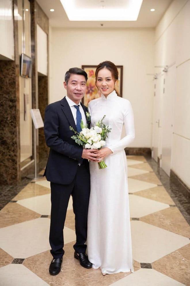 Vợ kém 15 tuổi của NSND Công Lý chia sẻ xúc động sau hôn lễ cùng Cô Đẩu - Ảnh 5.