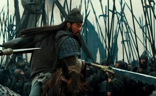 Nổi tiếng không sợ trời không sợ đất, tại sao tướng Đông Ngô là Cam Ninh mới ho 3 tiếng mà mặt Quan Vũ đã biến sắc?