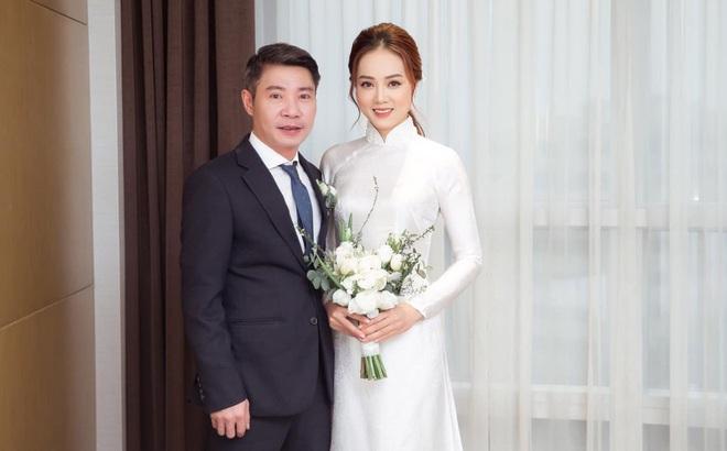 """Vợ kém 15 tuổi của NSND Công Lý chia sẻ xúc động sau hôn lễ cùng """"Cô Đẩu"""""""