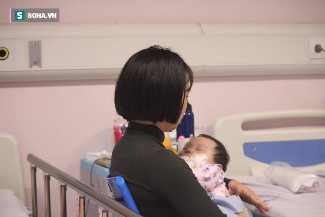 Hôm nay con cười, ngày mai con có thể tử vong ngay: Mẹ rớt nước mắt kể về kỳ tích sống được 8 tháng của con - Ảnh 2.