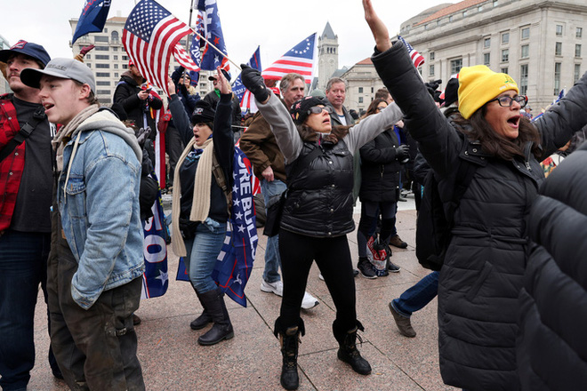 Các nhóm khác nhường sân cho người ủng hộ Tổng thống Trump - Ảnh 2.